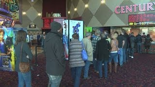 Movie theaters draw Christmas crowds