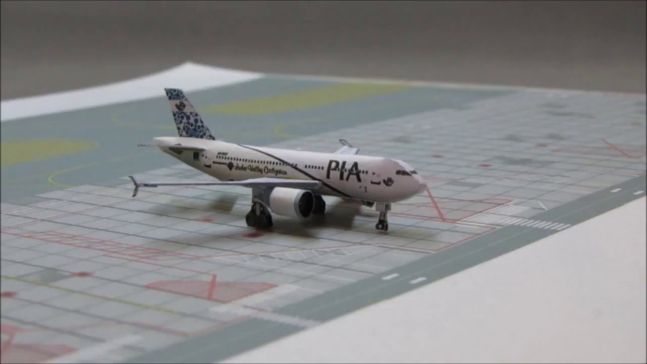 Papercraft Airbus A310 Paper Model (Pakistan International Airlines)