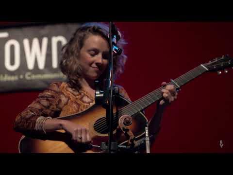Mandolin Orange - Hey Stranger (Live On ETown)
