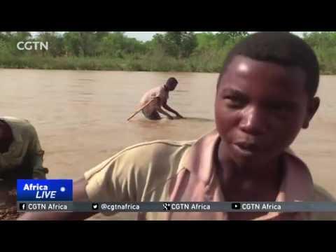 32942 economics gold CCTV Afrique Fortune hunters flock to Madagascar sapphire mines