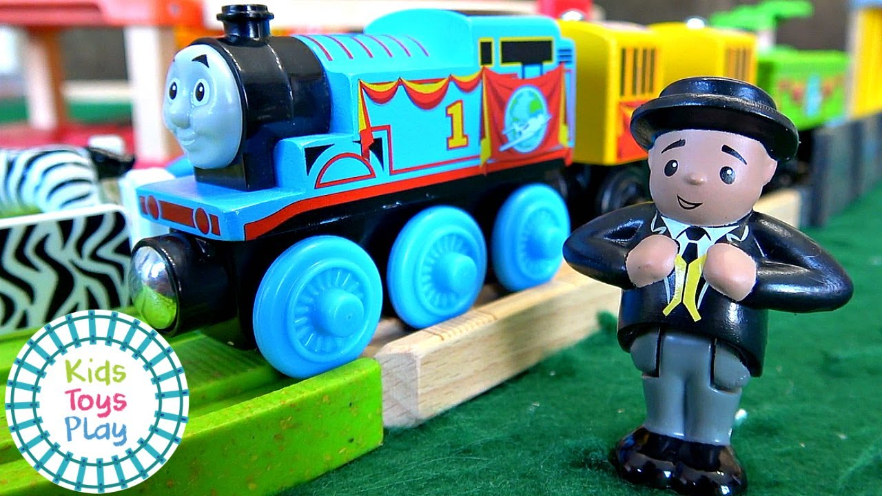 Thomas & Friends Wood 2019 Busy Island Playset Unboxing and Review