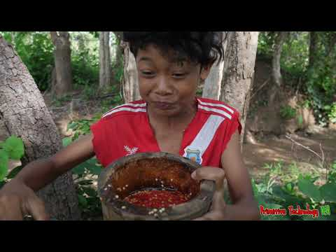 Primitive Technology - Eating Lemon With Spicy Salt Peppers Delicious - Cooking Lobster #139