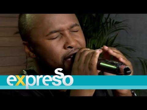 "Vusi Nova performs ""Thandiwe"""