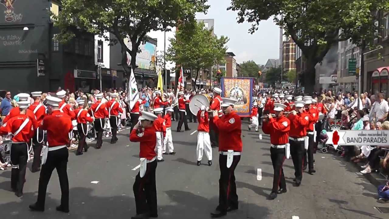 Shankill Star Performing to the Crowd - 12th of July Parade - YouTube