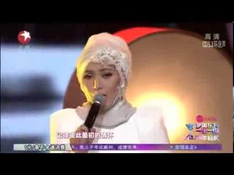 Shila Amzah - A Moment Like This (Shanghai Dragon TV's New Year's Countdown - 31 December 2013)