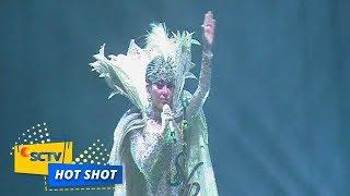 Download lagu Syahrini Bagikan Cincin 24 Karat di Konser 10 Tahun Karirnya Hot Shot MP3
