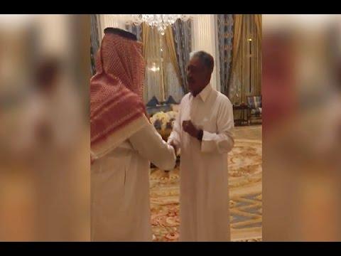 فيديو لحوار باسم بين ولي ولي العهد الأمير محمد بن سلمان وعمه الأمير مقرن