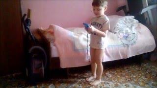 Танцующий ребенок(Тихону почти 5 лет. Любит танцевать. Никто его не учил-это полет его души. :)), 2016-02-01T12:40:47.000Z)