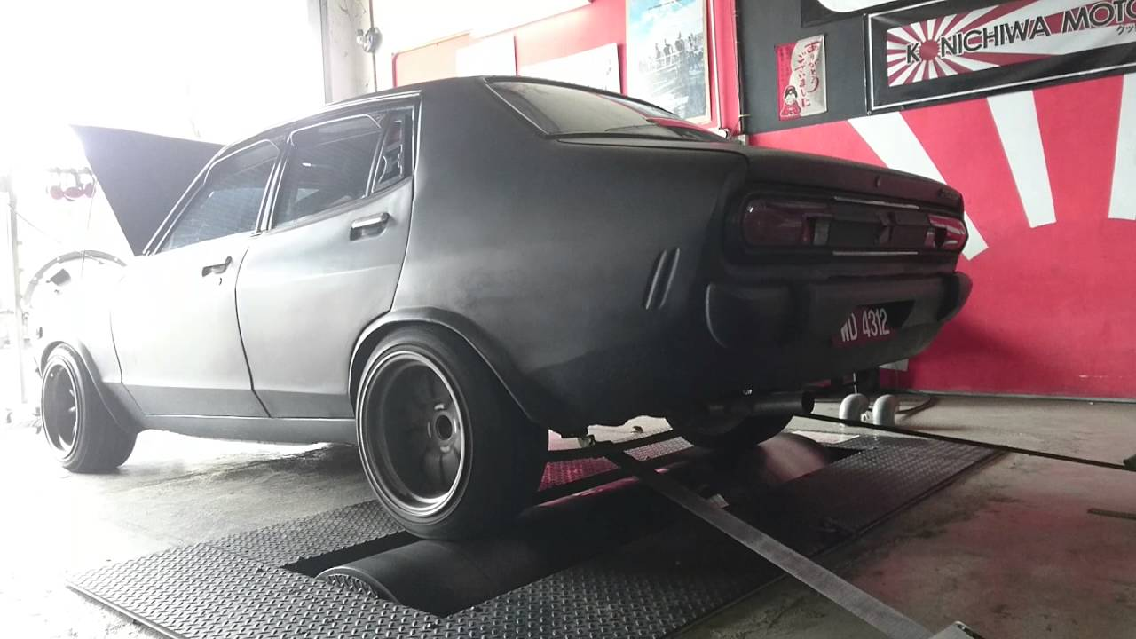 Blown Datsun B210 Dynorun 2 Drag Youtube
