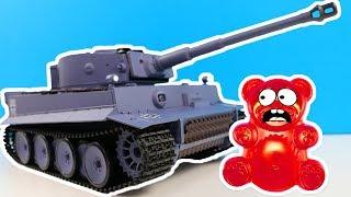 Experimente mit dem Lucky Bär gegen Panzer und Laser