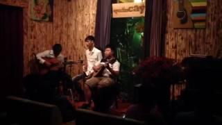 Bà Mẹ Quê - Vĩnh Phú, 10t, hoà tấu Mandolin với guitarist Kiều Anh Tuấn @ QUÁN CÂY