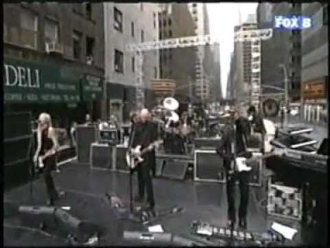 Smashing Pumpkins - Perfect (Live, On 53rd Street)