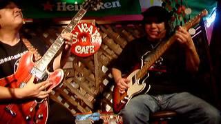 2005/10/15 京都 伏見 OLWAYS CAFE での演奏.