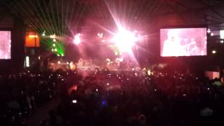 Shreya Ghosal singing Teri Meri - Live in Holland 2013
