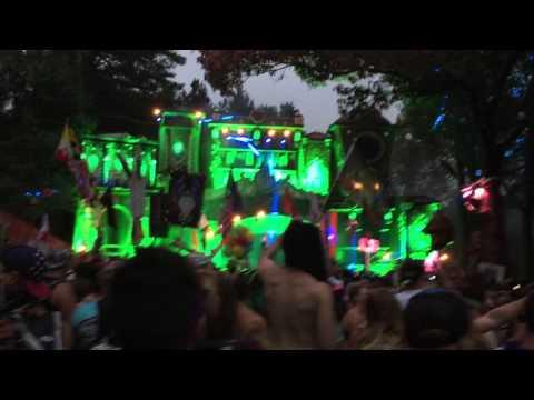 Etc!Etc! - No Type (Party Favor Remix) @ TomorrowWorld 2015 (Day 1)