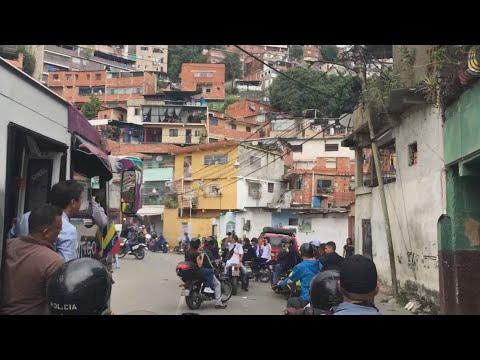 Retrasos y operación morrocoy en centros electorales de Miranda