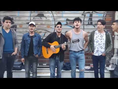 Istanbul taksim istiklal caddesi isimsiz değerli sokak sanatçıları kıymetli şarkılar tekrar dinle 2