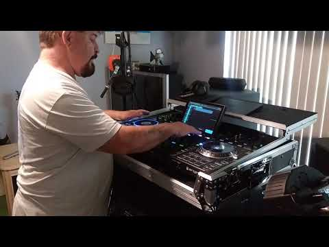 Denon Prime 4 in the case and start up.