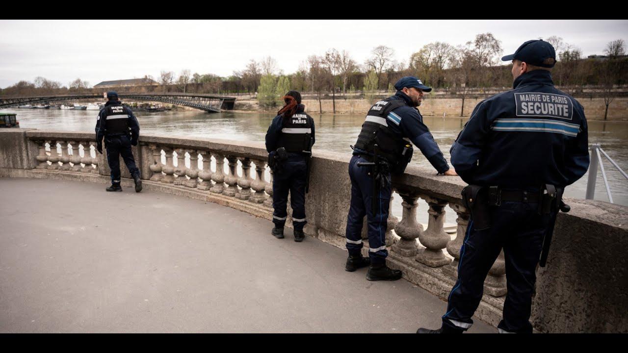 Download Paris intronise sa police municipale non armée