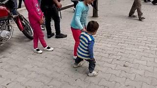 Melendiz Şeyhler Köyünde Halaya Dayanamayan Coçuk :)
