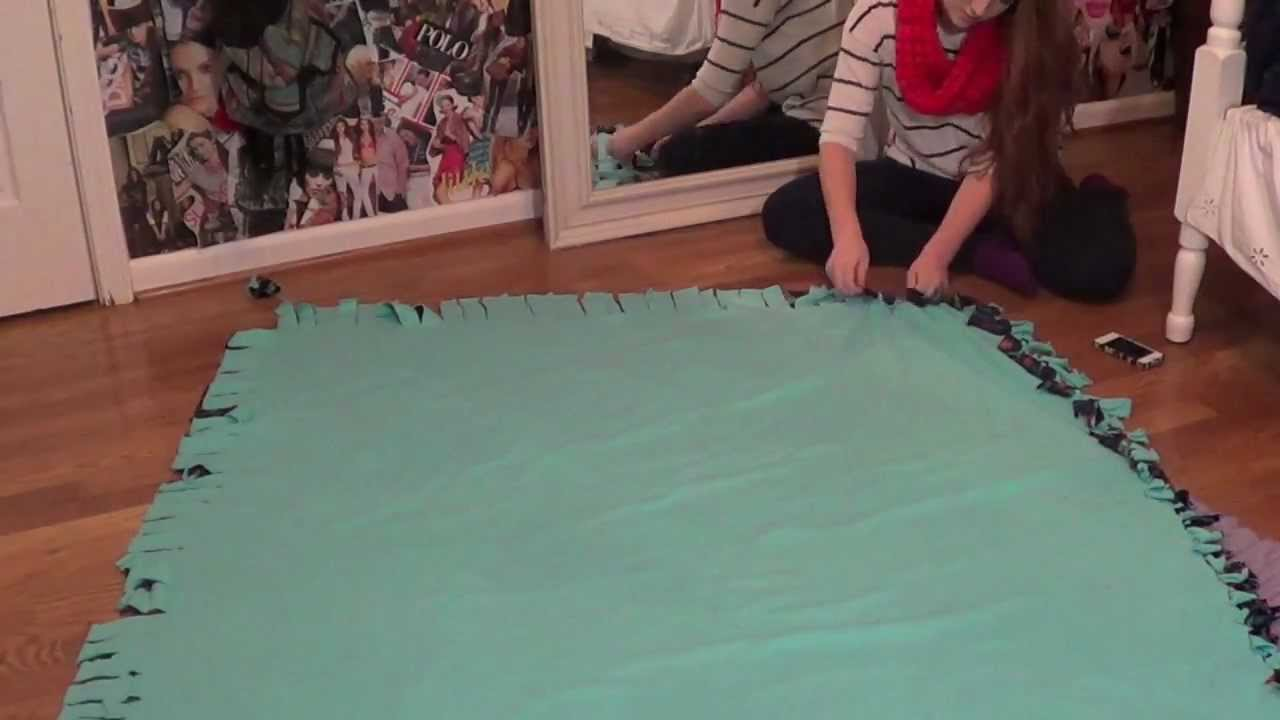 CHRISTMAS GIFT IDEA | DIY FLEECE TIE BLANKET | MEGHAN ...