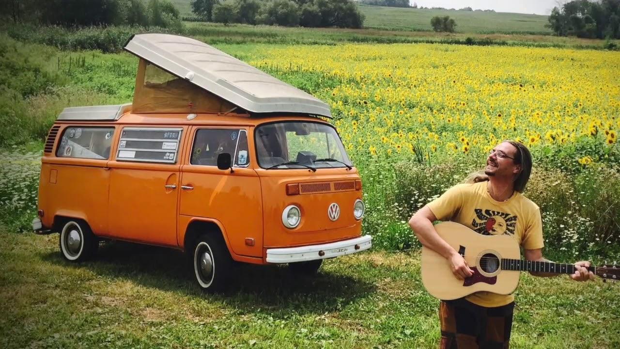Nicholas James Thomasma | Nicholas James and the Bandwagon | Hippie
