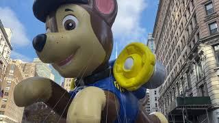 紐約梅西感恩節大遊行 曼哈頓人山人海  大紀元新聞