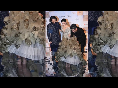 Alia Bhatt Embarassing WHITE Panty Flash At ICW  Fashion Show 2017