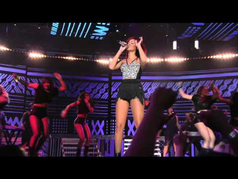 Rihanna - Medley (LiVE @ NBA All-Star Game Halftime Show 20.02.2011) 720p-HD