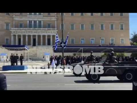newsbomb.gr: Παρέλαση για την επέτειο της 25ης Μαρτίου
