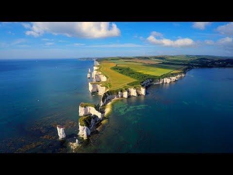 Gareth Emery & Ashley Wallbridge - Kingdom United (Official Music Video)