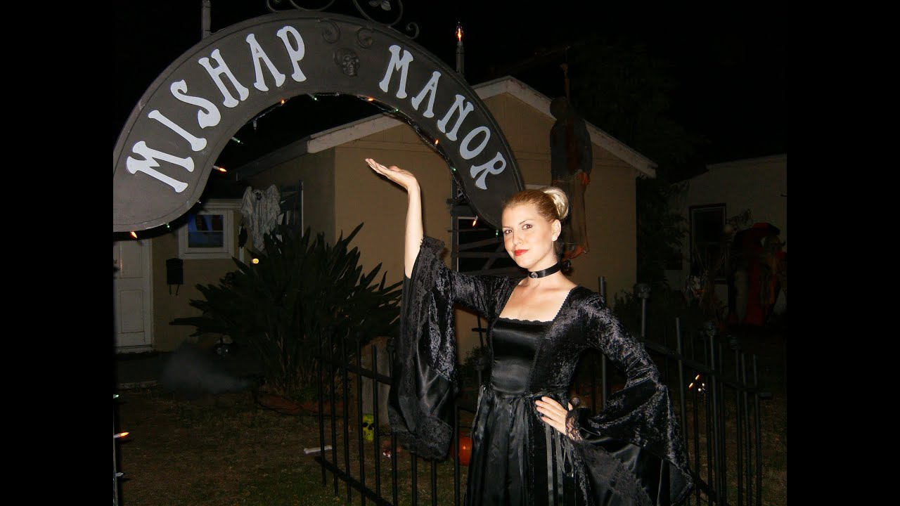 The Haunted Cemetery Halloween Yard Haunt Display Youtube