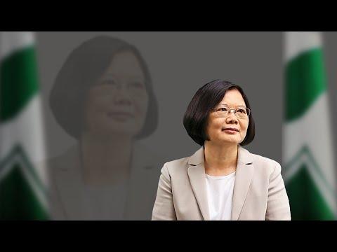 """海峡论谈:蔡英文就任一周 上演川剧""""变脸""""?"""