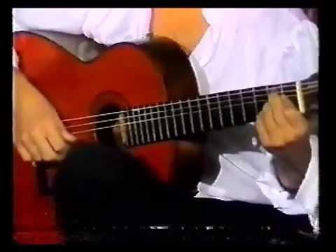 Entrevista a la guitarra de Paco de Lucia - Interview with Paco de Lucia's Guitar