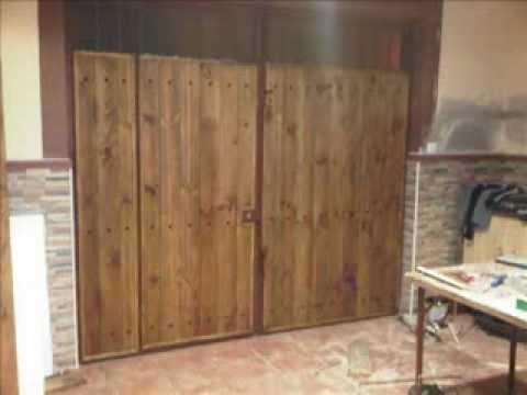 Forrar puertas de chapa con madera youtube - Como hacer una puerta rustica ...