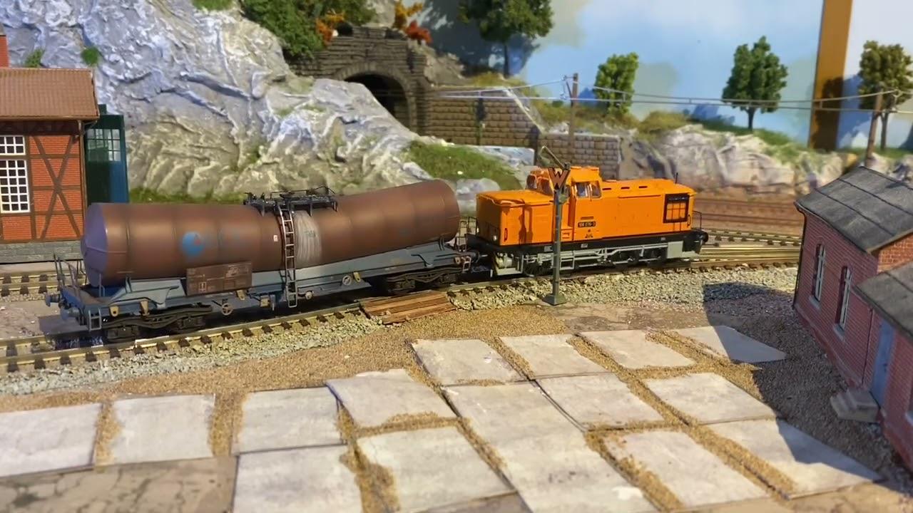 Modelleisenbahn H0 ( Betriebswerk entsteht Teil 2)