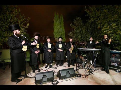 מקהלת 'מלכות' והכליזמר בביצוע מרגש: 'ומפני חטאינו'! | Baruch Vizel & Malchus Choir