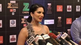 Sunny leone on  Red Carpet in Zee Cine Awards 2017