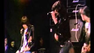 Rockaway Beach - The Ramones - Live CBGB 1977