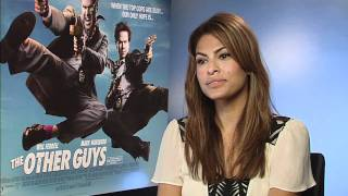 the other guys - funny interview: Will Ferrell, Mark Wahlberg, Eva Mendes vs Daniele Rizzo