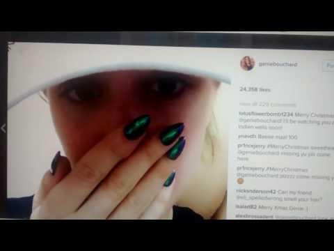 Hélène Pelletier consulte l'Instagram d'Eugénie Bouchard
