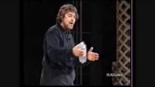 Beppe Grillo e la privatizzazione delle acque.