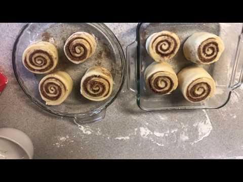 Cinnabon cinnamon rolls, good morning 🌞