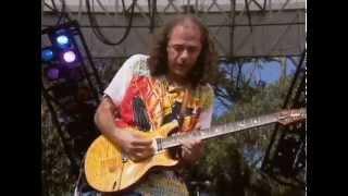 Смотреть клип Carlos Santana - Bertha