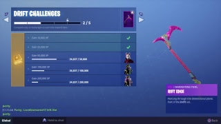 Playing FORTNITE i have the full set of drift (JUST A GLITCH)