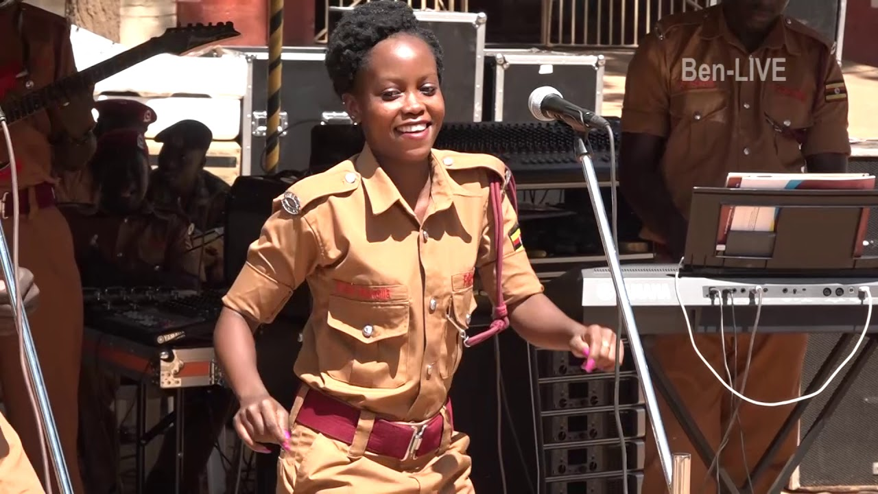 22 year old Uganda Prisons Officer pulls off Dancing Skills you've never seen before