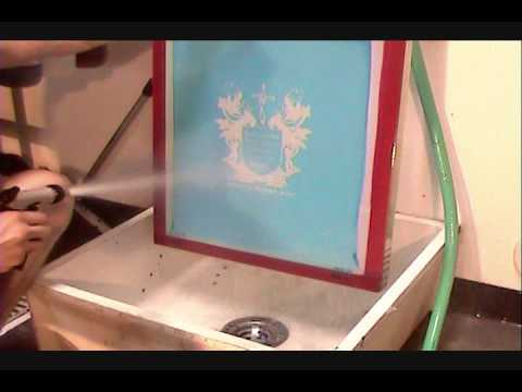 How To Screen Print Washing Out The Stencil Amp Reclaiming