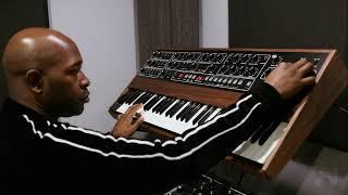 "Sequential Prophet-5 Rev 4 Demo with Damon ""Mr. Dizzy Fingers"" Bennett (Batch 1-195)"
