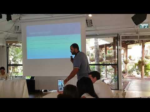 Bitland co-founder Roy Moshe explaining Bitcoin