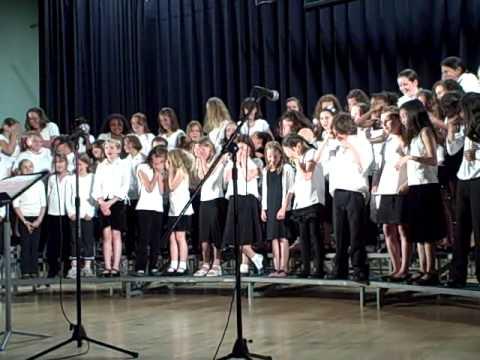 "Grafton Elementary School 4th Grade chorus ""Don Gato"""